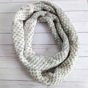 Old Navy Knit Acrylic Gray & White Infinity Scarf
